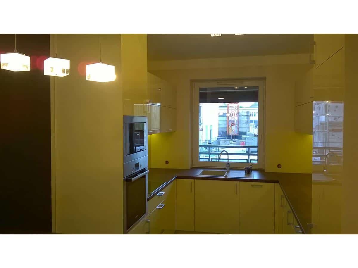 Architekt wnętrz - duza kuchnia w lakierze