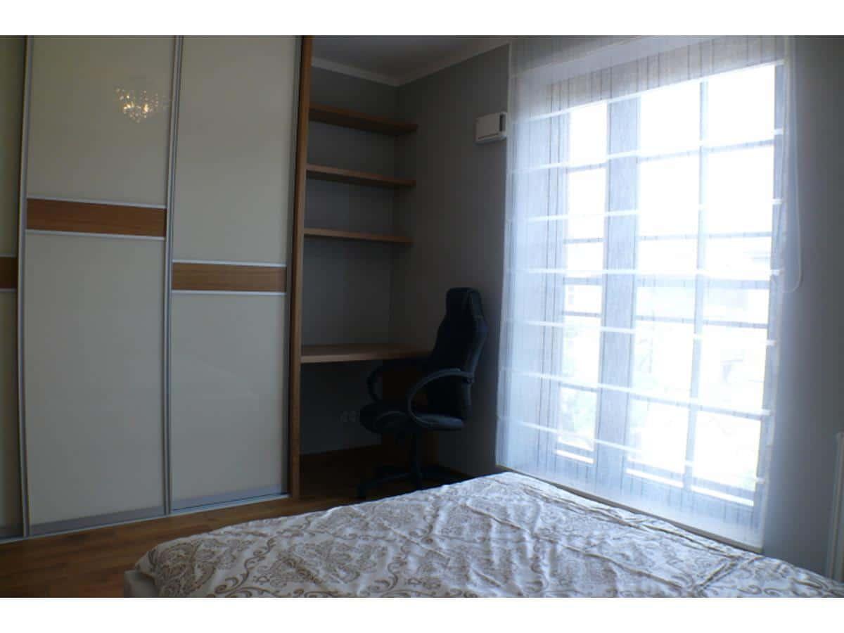 Architekt wnętrz sypialnia z szafą
