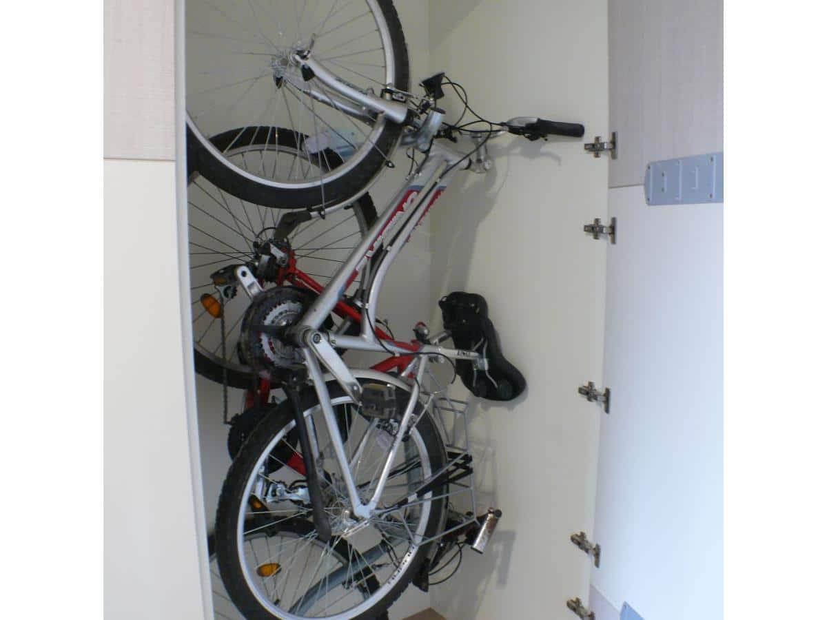 Architekt wnetrz - projekt z wykonaniem - schowek na rowery w szafie