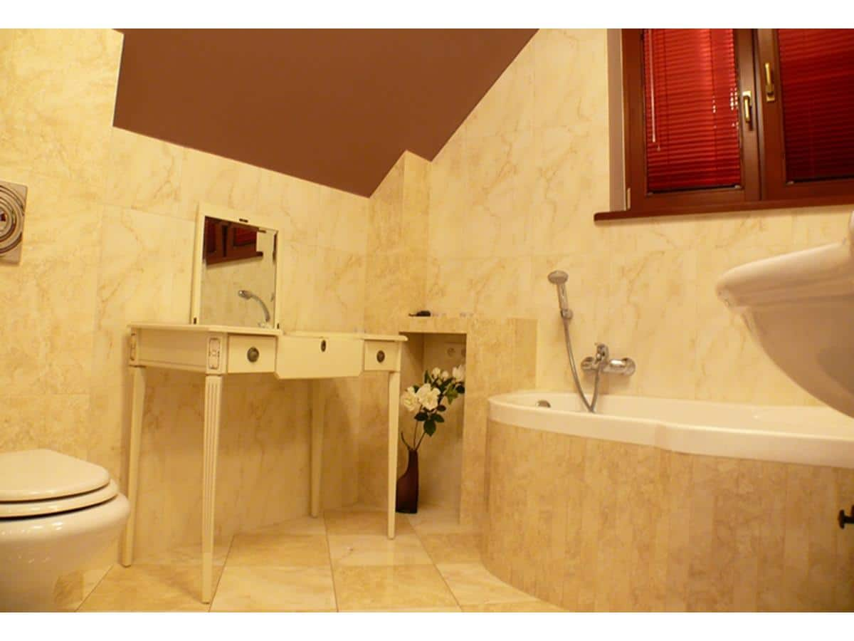 Architektura wnętrz - łazienka na poddaszu