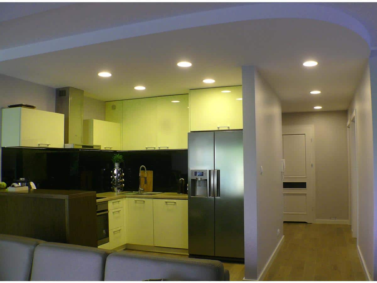 Projekt mieszkania kuchnia otwarta na salon