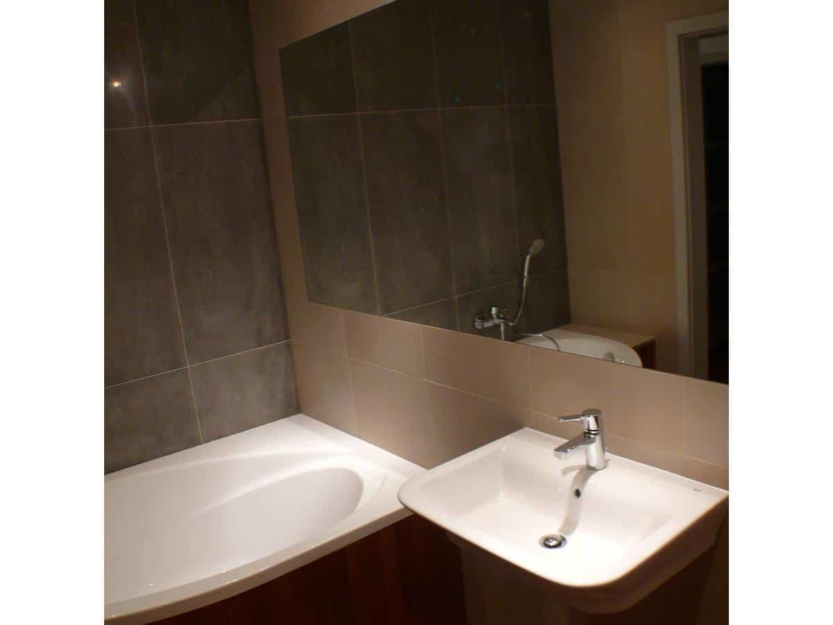Projekty wnętrz mieszkań łazienka z wanną